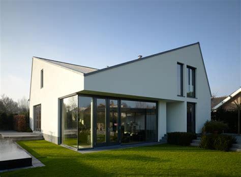 Moderne Häuser Bauen Mit Satteldach by Moderne H 228 User Mehr Als 160 Unikale Beispiele Archzine Net