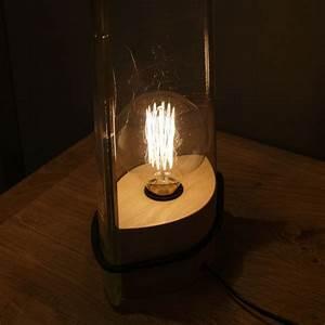 Lampe à Poser Originale : lampe poser industrielle en verre par raumgestalt ~ Dailycaller-alerts.com Idées de Décoration