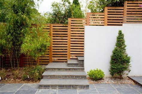 Zaun Für Haus by Sichtschutzzaun Schutz Und Stil Umgeben Das Haus