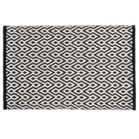 tapis 224 poils courts et motifs en coton noir et blanc 60 x
