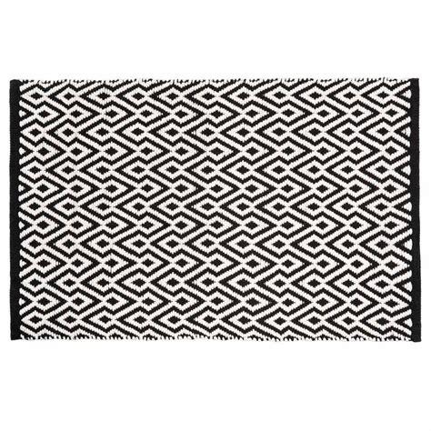magasin chambre tapis à poils courts et motifs en coton noir et blanc 60 x