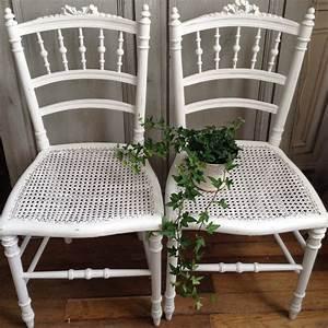 Chaise Medaillon Blanche : chaise style louis xvi patine l 39 ancienne blanche assise et dos cann ~ Teatrodelosmanantiales.com Idées de Décoration