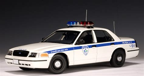 1 18 police car with autoart ford crown victoria police car montreal of canada