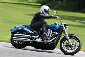 Manifestation Motard 2018 : harley davidson softail low rider en baisse moto magazine leader de l actualit de la ~ Medecine-chirurgie-esthetiques.com Avis de Voitures