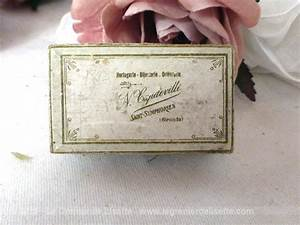 Petite Boite En Carton : vendu ancienne petite boite bijoux en carton le grenier de lisette ~ Teatrodelosmanantiales.com Idées de Décoration