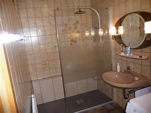 Badezimmer Altersgerecht Umbauen Zuschuss Krankenkasse : badewanne auf duschfeld behindertengerecht umbauen zuschu von krankenkasse ~ Fotosdekora.club Haus und Dekorationen