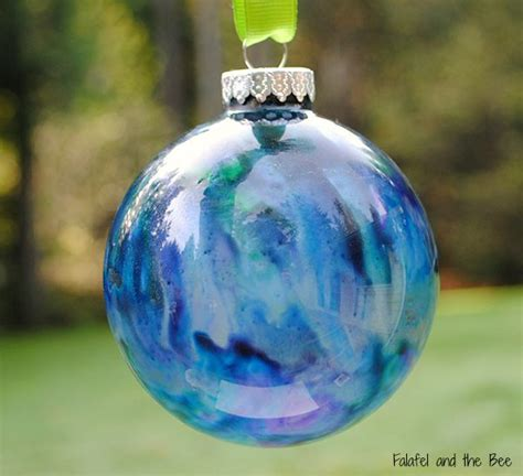 making melted crayon glass ornaments shitidig pinterest