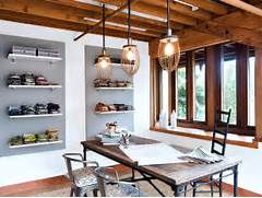 Small Modern Home Office Design With Vintage Furniture And Old Wooden Wooden House Promoting Industrial Beauty Interior Design Modernist Architect Rudolph Schindler Used Movable Concrete Forms To Industrial Home For A Couple And Their Three Cats In Taiwan Design
