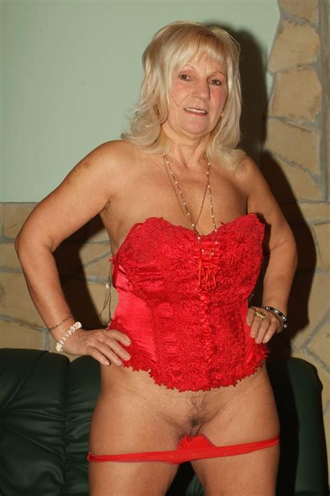 Curvy granny with big flabby tits Remy does a striptease and swallowing a big fat cock - XXX Milfs
