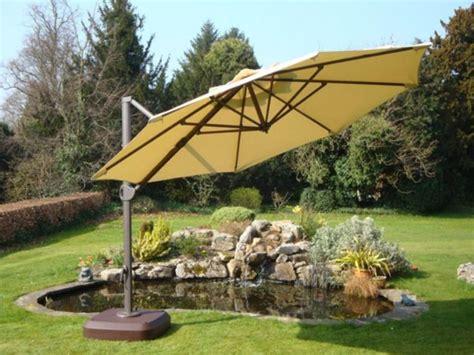 Cantilever Patio Umbrellas Uk by 25 Best Ideas About Cantilever Parasol On Pinterest
