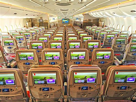 siege a380 emirates airbus a380 bi classe d emirates 220 000 passagers déjà
