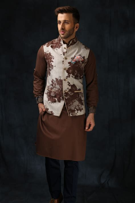 indian wedding outfits   bridesgrooms brother