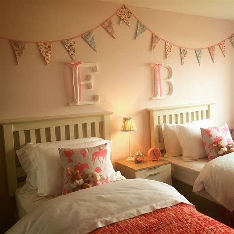 beautiful twin girls bedroom beautiful bunting