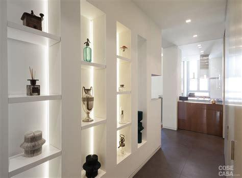 mensole con faretti forum arredamento it quale colore per rinnovare le pareti