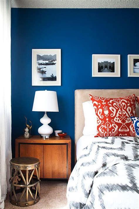 cool calm  cobalt bedroom trend lots  color