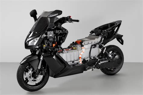 bmw  evolution electric scooter  smoking hot