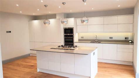 Gloss White Kitchen   Natural Stone Worktops, Neff Appliances