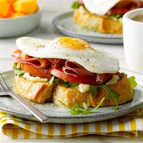 Sanduiç me vezë dhe proshutë - Konica.al