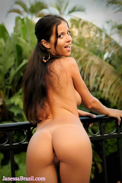 janessa brazil janessa brazil naked outside at