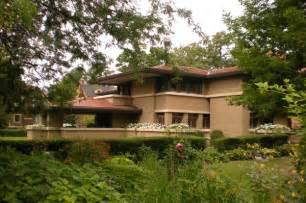 Frank Lloyd Wright Prairie Style Houses