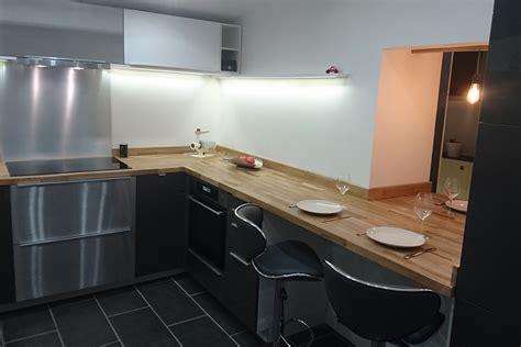 renovation cuisine plan de travail rénovation de cuisine en u avec plans de travail en chêne