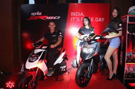 aprilia sr cc scooter launched  india  rs