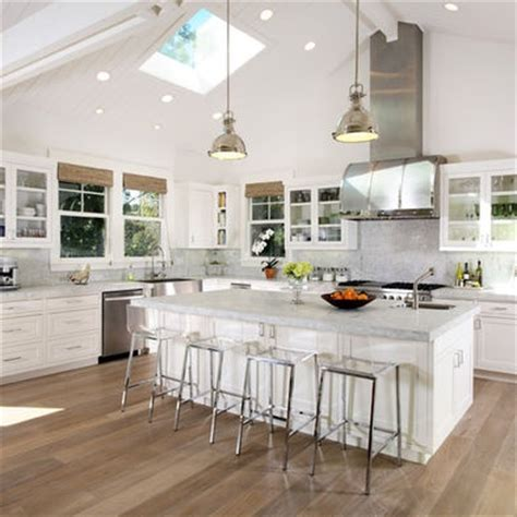 kitchen cabinets vaulted ceiling 8 best images about vault ceiling w h i t e on 6439