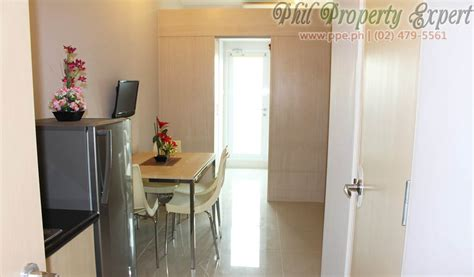 fully furnished br condo  balcony  rent  quezon
