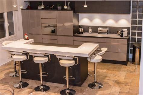 cuisine taupe brillant retrouvez la cuisine jet et coloris gris taupe