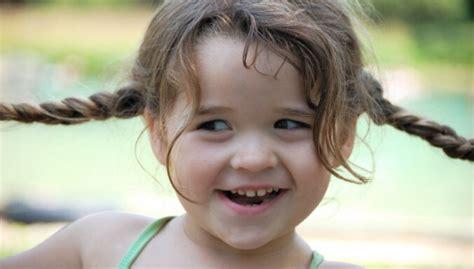 Izlutināta bērna pazīmes. Padomi vecākiem - DELFI