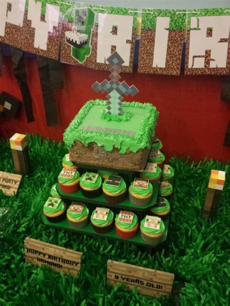 minecraft birthday cake decorations 12 amazing minecraft birthday cakes catch my