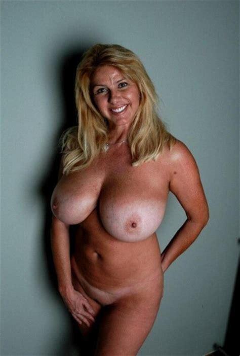 Mature Huge Natural Tits Hd