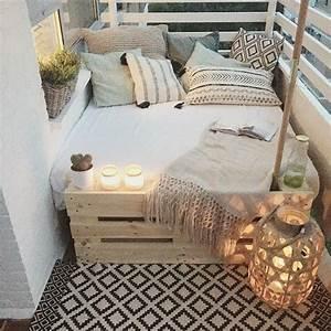 Balkonmöbel Für Schmalen Balkon : 1001 ideen zum thema schmalen balkon gestalten und einrichten bett paletten schlafdecke und ~ Indierocktalk.com Haus und Dekorationen