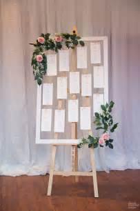 plan de table pour mariage hélène et jules ont imaginé un plan de table chêtre pour leur mariage avec des cartes
