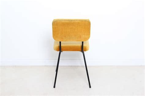 chaise jaune moutarde 30 unique chaise jaune moutarde zzt4 armoires de cuisine
