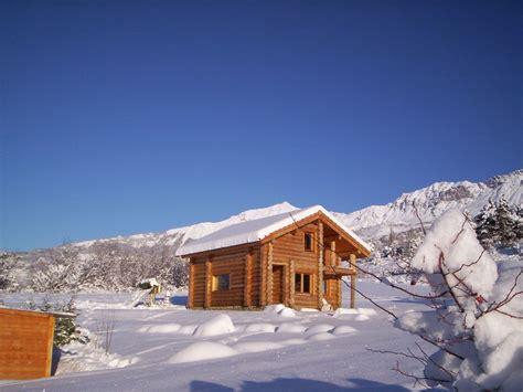 chalet en rondins dans les alpes du sud hautes alpes 613110 abritel
