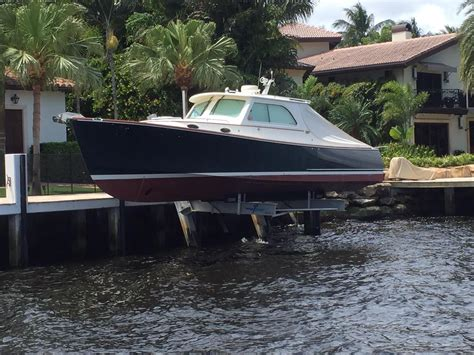 Hinckley Boats History by 2007 Hinckley Picnic Boat Ep Power Boat For Sale Www