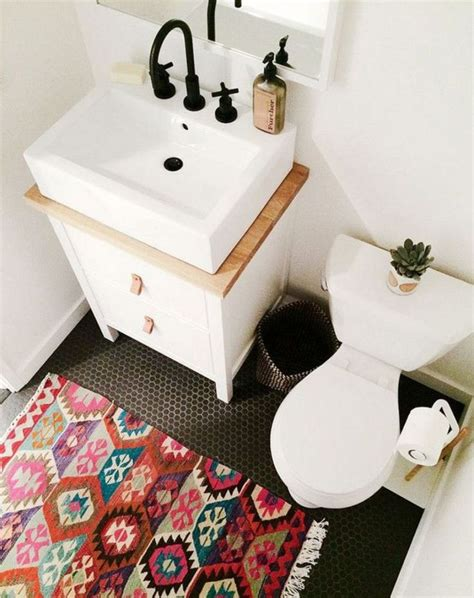 Small Rugs For Bathroom by 1000 Ideas About Bathroom Rugs On Wood Floor