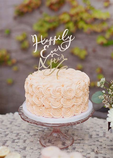 delicious small wedding cakes    cute