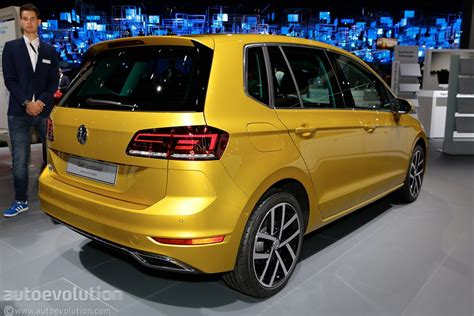 volkswagen golf 2018 volkswagen golf sportsvan is a valiant attempt at