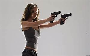 High Quality Resolution Girl With Gun Wallpaper - Images