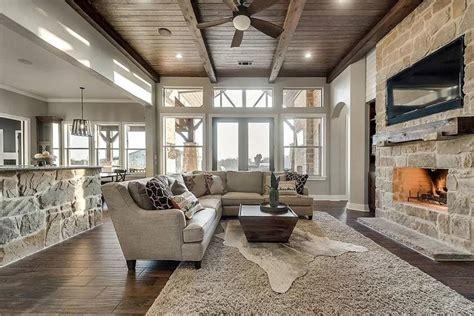 beautiful craftsman style house plan  chandlers lake