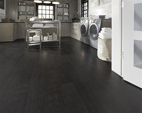 Featured Floor: Dark Hollow Oak EVP