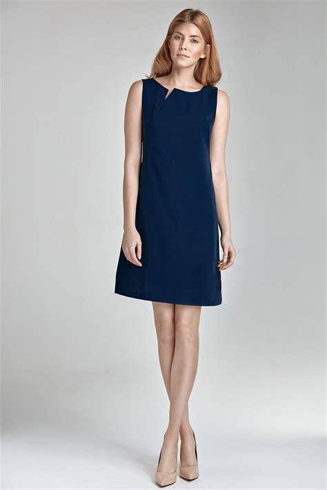 pochette mariage robe bleu marine quelle couleur de chaussures porter avec une robe bleu