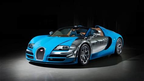 Le poids du véhicule est de 2070 kg avec une capacité de chargement de 130 liters. 2013 Bugatti Veyron Grand Sport Vitesse Wallpapers | HD Wallpapers | ID #13039