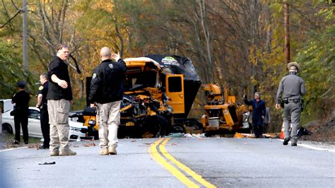 Raw video of the School Bus accident scene in New Windsor