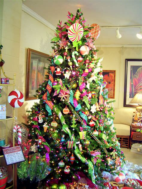 christmas trees decorated decorating christmas trees