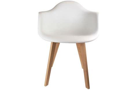 chaise scandinave avec accoudoir chaise scandinave avec accoudoir blanc fjord chaise design pas cher