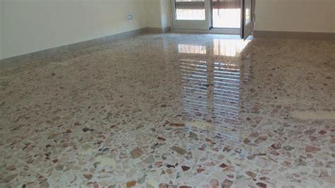 lucidare pavimenti in graniglia giochino tre cose e tre cose brutte posto in