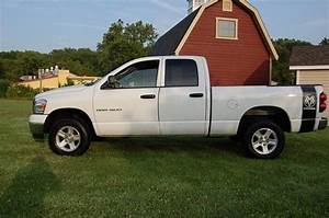 Buy Used 2007 Dodge Ram 1500 Slt Quad Cab  4 Wheel Drive  4 7 Liter V8 Magnum  Alloys In New